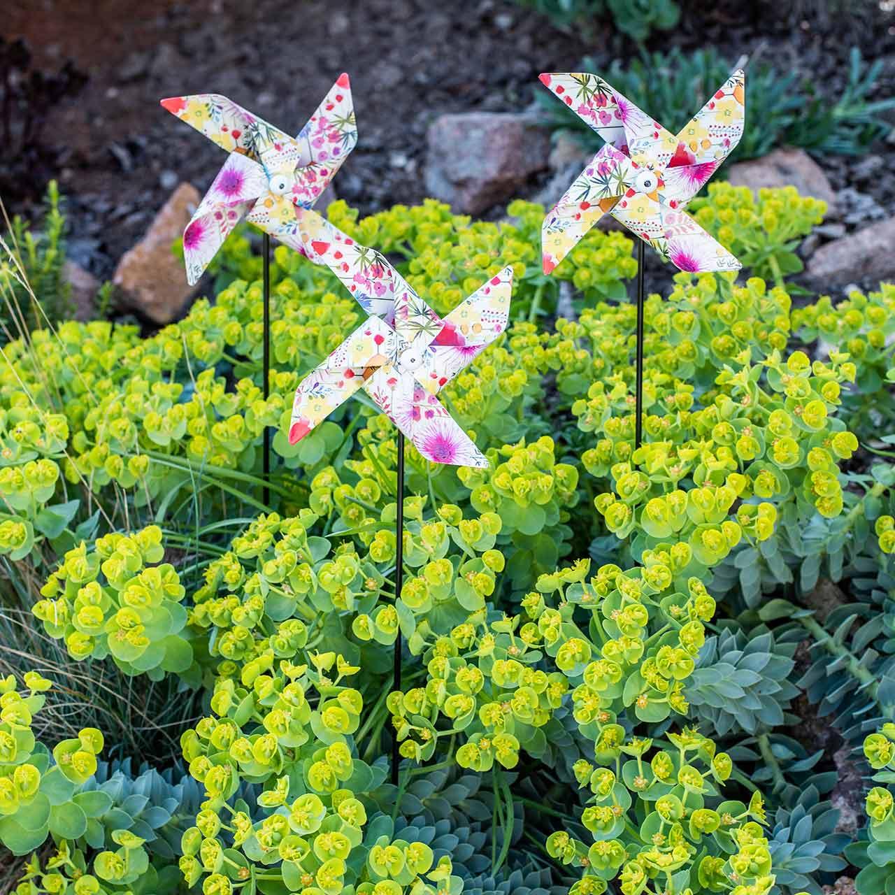 Sommer dekoration vindmølle Ø14cm farvet på pinden 3stk